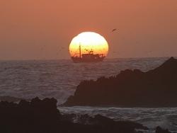 le soleil attire le bateau