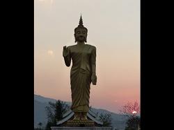 Le grand Bouddha d'Oudomxay