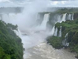 Les chutes d'Iguazu .